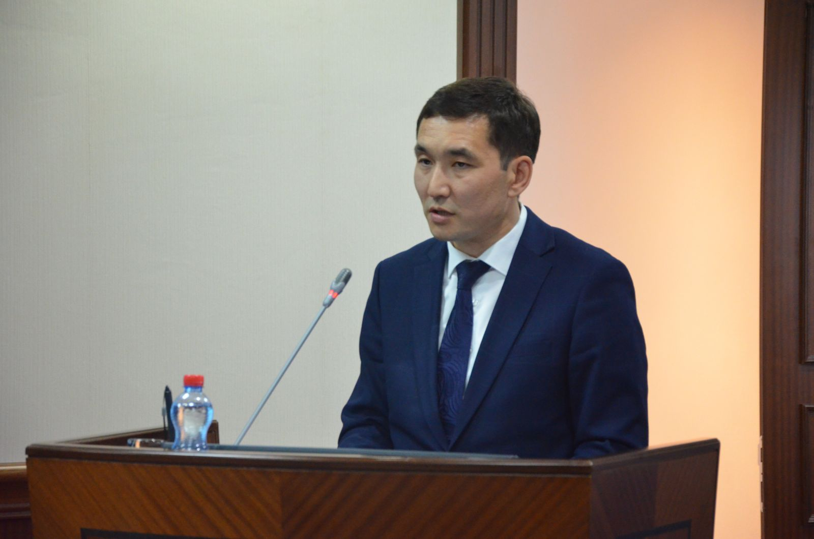 A farmer buys machinery, like he's getting married, once for life. They don't turn it in for recycling - the deputy chairman of the farmers' union of Kazakhstan