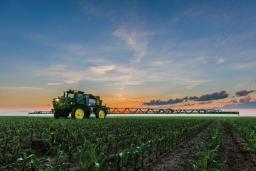 John Deere equips tractors with precision crop spraying system